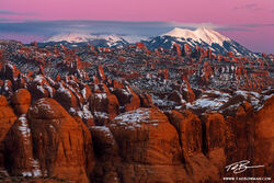 utah,behind the rocks pictures,southwest picture,behind the rocks photos,rock fins,mountain photo,La Sal Mountains images