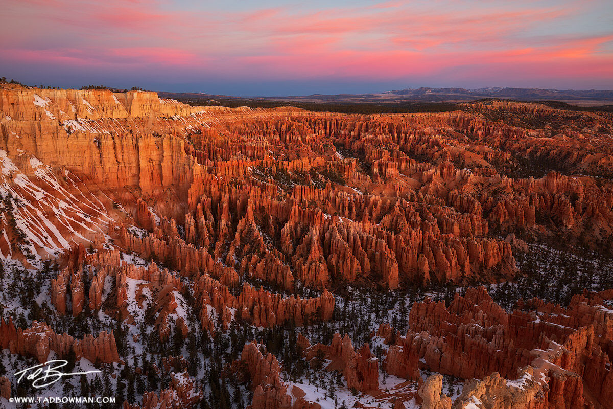 Utah, Hoodoos picture,rock Formations,Southwest,rock Patterns, sunrise, Bryce Canyon National Park pictures,Bryce Canyon photos, Bryce Canyon Sunrise, pink, dramatic, photo