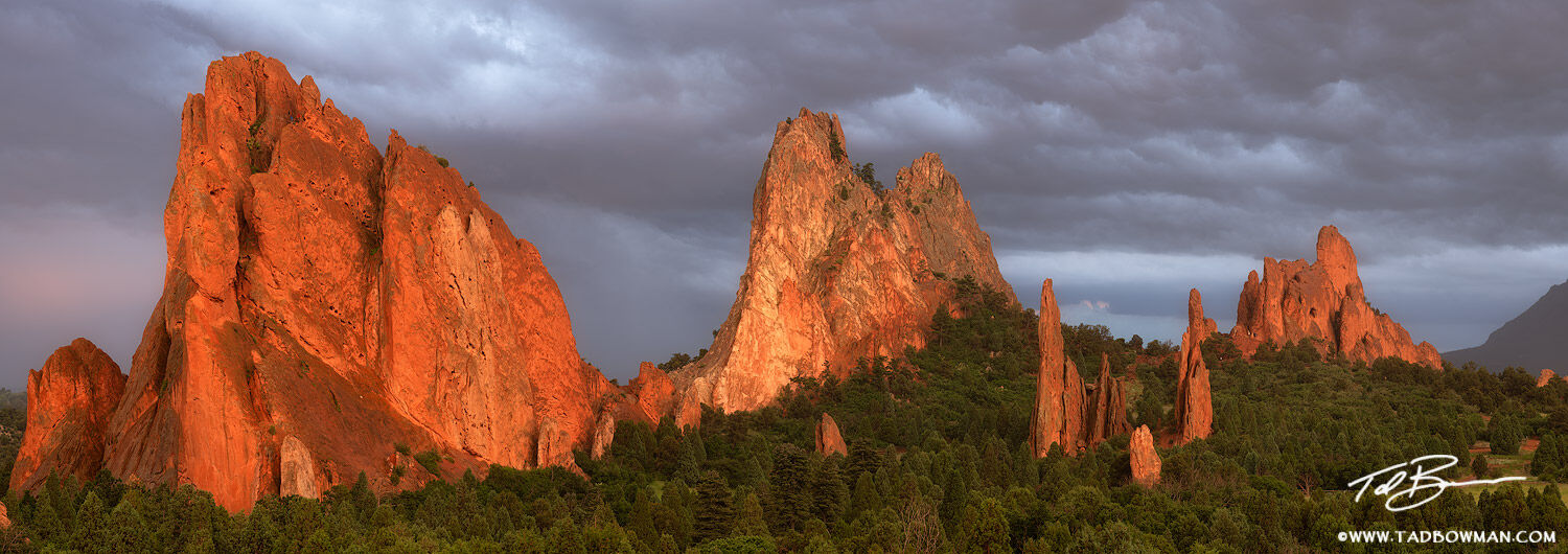 Colorado, Garden of the Gods, Garden of the Gods photos, Colorado Springs, Sunset, sandstone rock,colorado springs photos,panorama, panoramas, photo