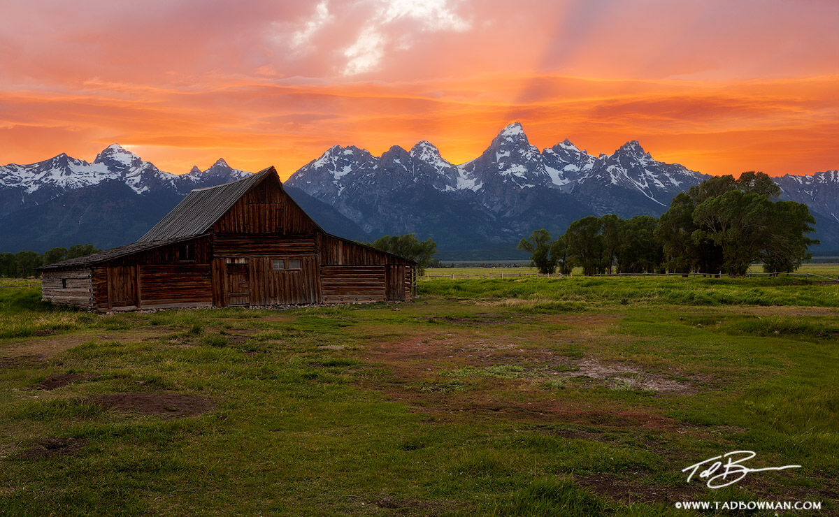 Tetons,Grand Tetons,National Park,Sunset,Brilliant, clouds,Moulton Barn photos,Mormon Row pictures,Antelope Flats,Buck Mountain,barn images, photo